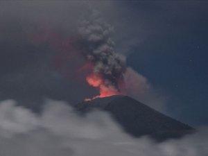 Whakaari Yanardağı patladı: 1 ölü