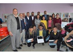 Muş'ta 200 öğrenci giydirildi