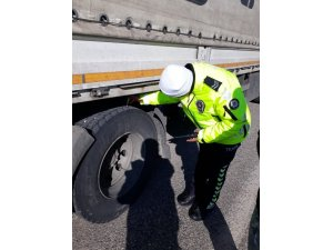 Bölge trafik ekiplerinin kış lastiği denetimleri devam ediyor