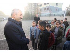"""Başkan Büyükgöz, """"Çocuklar sizler bizim geleceğimizsiniz"""""""