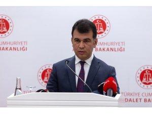 """Adalet Bakanlığı Sözcüsü Çekin: """"(Ceren Özdemir cinayeti) En ufak bir ihmal veya kusurun tespiti halinde gerekenin yapılacağından kimse şüphe duymamalıdır"""""""