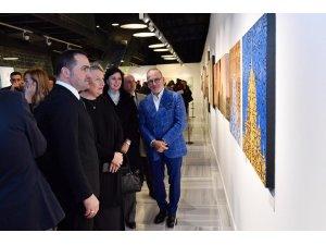 'Bir Yol' sergisi Beyoğlu'nda sanatseverlerle buluştu