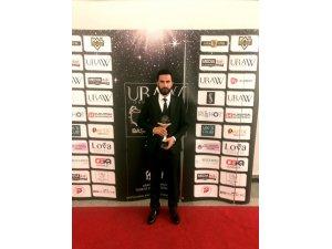 Devletin Derin Aklı kitabı ile Ramazan İzol yılın en iyi çıkış yapan yazarı ödülüne layık görüldü