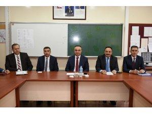 Vali Soytürk eğitimciler ile bir araya geldi