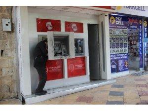 Şanlıurfa'da hırsızlar ATM'lere dadandı
