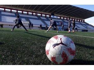 Kars 36 Spor DSİ Karadeniz Spor karşılaşması hazırlıklarını sürdürüyor