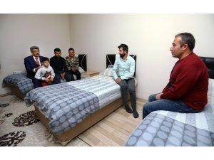Vali Bilmez'den hasta ve hasta yakınlarına ziyaret