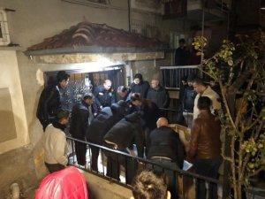 Ankara'da 5 aylık hamile kadın ile 3 yaşındaki kızı banyoda ölü bulundu