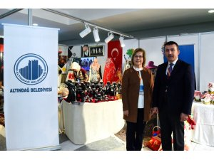 Cumhurbaşkanı Erdoğan, Yerel Yönetimlerde 6. Kadın Şurası'nda Altındağ standını ziyaret etti