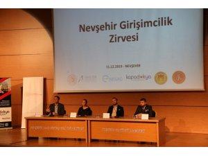 """NEVÜ'de """"Nevşehir Girişimcilik Zirvesi"""" düzenlendi"""