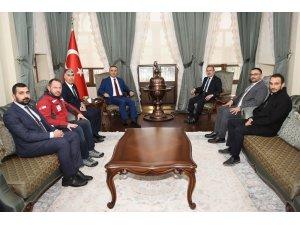 Vali Soytürk Kızılay Genel Başkan Vekili ile bir araya geldi