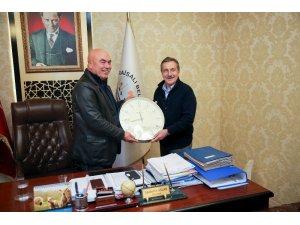 Başkan Ataç'tan Karaisalı Belediyesi'ne ziyaret