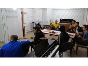 Emet'te müzik kurslarına ilgi
