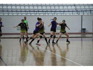Hentbol Kadınlar Türkiye Kupası: Üsküdar Belediyesi: 34 - Aksaray Belediyesi: 22