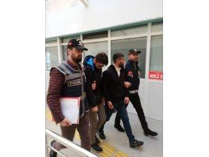 Eski Bakanı dolandıran şahıs tutuklandı