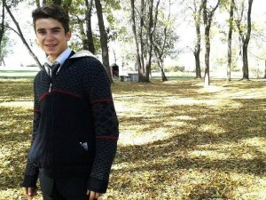Babası tarafından vurulan 19 yaşındaki genç son yolculuğuna uğurlandı