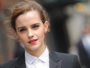Emma Watson 38 ülkeye 2000 adet Little Women kitabı sakladı