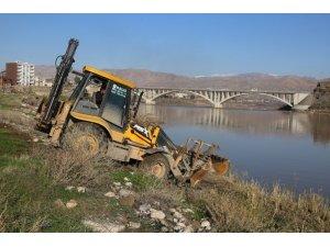 Cizre'de 19 bin metrekarelik alanda park çalışması
