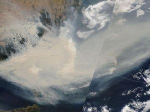 Avustralya'daki yangınların dumanları Dünya'nın etrafında en az bir tur atacak
