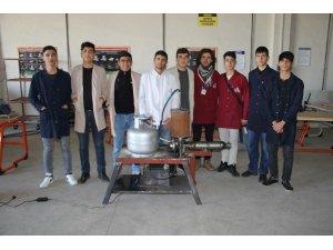 Diyarbakırlı öğrenciler itme kuvvetli LPG'li jet motoru yaptı