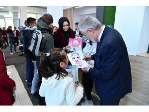 Başkan Başdeğirmen'den öğrencilerin yarıyıl hediyesi