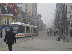 Yoğun sis hafta sonunda vatandaşları evde hapsetti