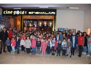 Isparta'daki gençler 'Beyaz Hüzün' filmini izledi