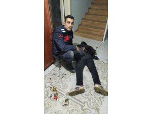 Sakarya'da 2 katlı evi soymak isteyen hırsız suçüstü yakalandı