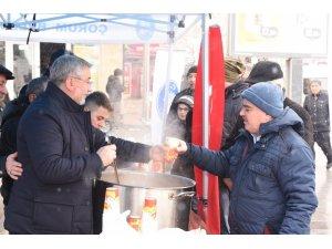 Çorum Belediyesi'nden sıcak çorba ikramı