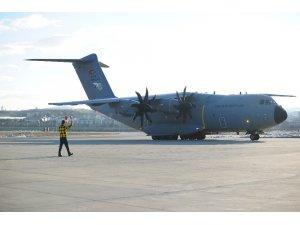 Somali'de bomba yüklü araçla gerçekleştirilen terör saldırısında yaralanan 9 vatandaşı taşıyan Türk Hava Kuvvetlerine ait uçak, Ankara Etimesgut Askeri Havaalanına indi.