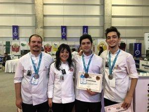 """Anadolu Üniversitesi """"Gelenekten Geleceğe"""" yarışmasından 6 madalya ile döndü"""
