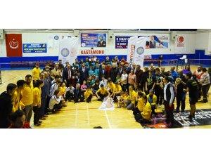 İşitme Engelliler Badminton Türkiye Şampiyonası sona erdi