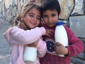 Bodrumlu çocuklar 'Halk Süt' içiyor