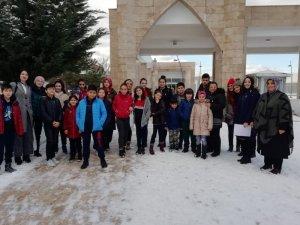 Mamaklı öğrencilerden anlamlı ziyaret