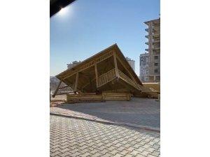 Kahramanmaraş'ta rüzgarın şiddeti böyle görüntülendi