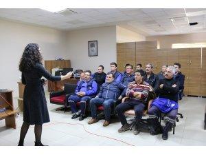 """Büyükşehir personeline """"Akaryakıt Ürün Bilgisi, Güvenli Dolum Kuralları"""" eğitimi"""