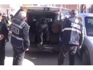 Elazığ'da dilenci operasyonu: 23'ü yakalandı işlem yapıldı