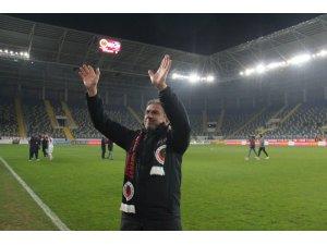 """Hamza Hamzaoğlu: """"Zor da olsa 1 gol bulduk ve maçı kazandık"""""""