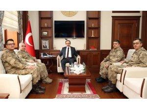 Tümgeneral Halis Zafer Koç, Vali Cüneyt Epcim'i ziyaret etti