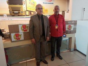 Kocaeli'deki gazetecilerden deprem bölgesine anlamlı yardım
