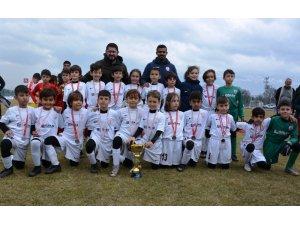 Yunusemre'de 4. Geleneksel Minikler Futbol Turnuvası başladı