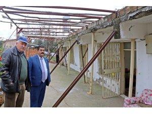 Evlerinin yıkılmaması için demir profillerle önlem almaya çalışıyorlar