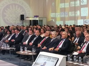 AK Parti'li Yavuz, yeni yasa teklifini konferansta anlattı