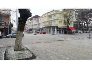 Dolu, sokakları beyaza bürüdü