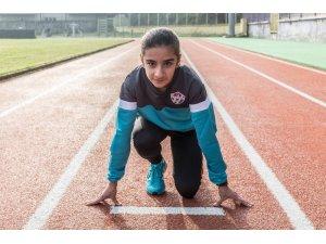 Eyüpsultanlı atlet Zeynep Sunay Yıldız, Türkiye şampiyonu oldu
