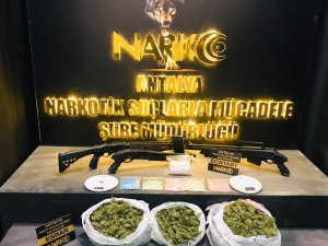 Antalya'da uyuşturucu operasyonu: 4 tutuklu