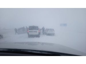 Sivas-Malatya karayolu ulaşıma kapandı