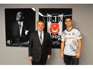 Beşiktaş, Hasic ile 4.5 yıllık sözleşme imzaladı