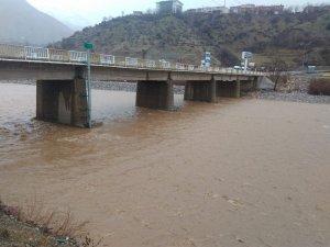 Sason'da şiddetli yağış hayatı olumsuz etkiledi