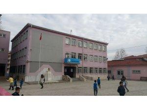 Kula'da deprem riski taşıyan okul öğrencileri ikili eğitime geçiyor